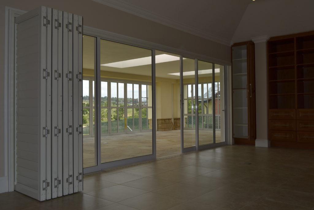 Palace Multi Sliding Doors Inso Aluminium
