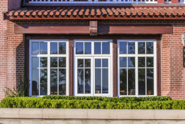 5 Reasons Casement Windows Have Become Popular for Large Residential Projects