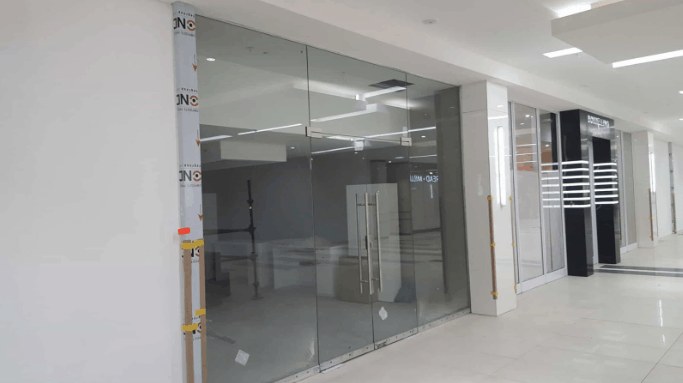 frameless glass shopfront