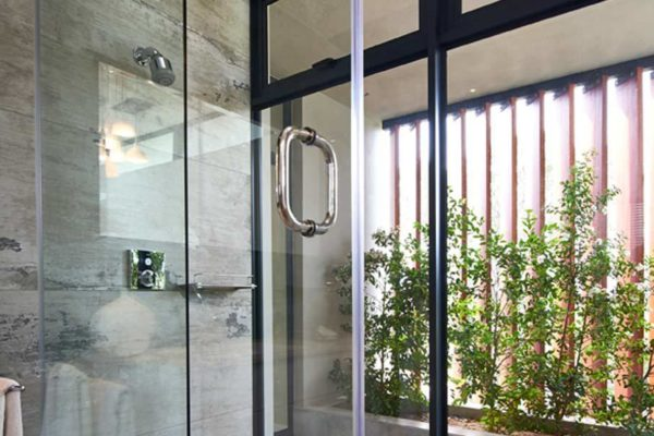 Frameless Shower Door 05