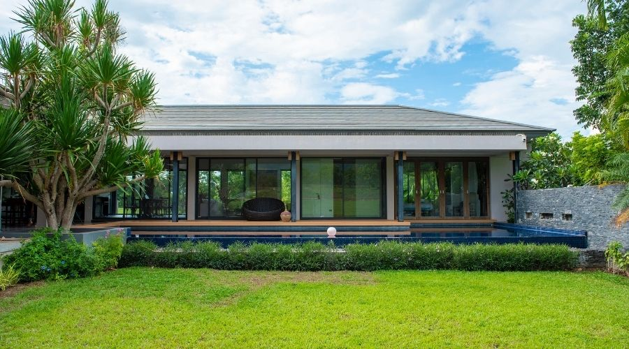 What are the components of green building
